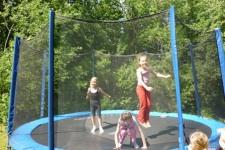 Škola v přírodě - Na trampolíně