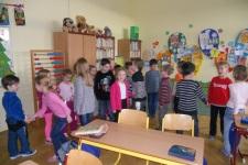"""""""sluníčka"""" z MŠ navštívily 1.třídu"""