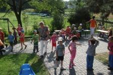 První školní den - pobyt na zahradě MŠ